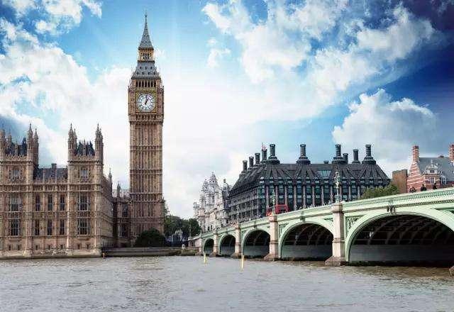 英国移民免面试获批:带着爸爸去留学!