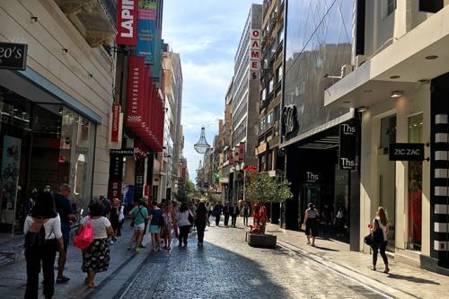 左鄰最貴零售街,右鄰大